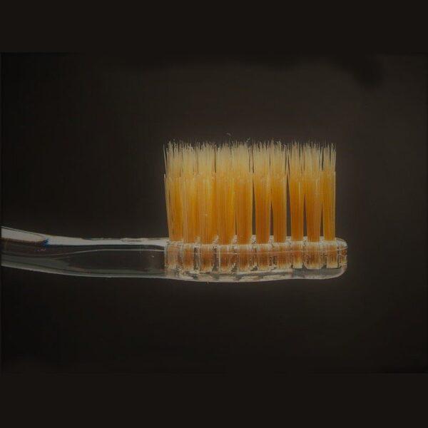 Dantų šepetėlio Apatite su nano auksu šereliai